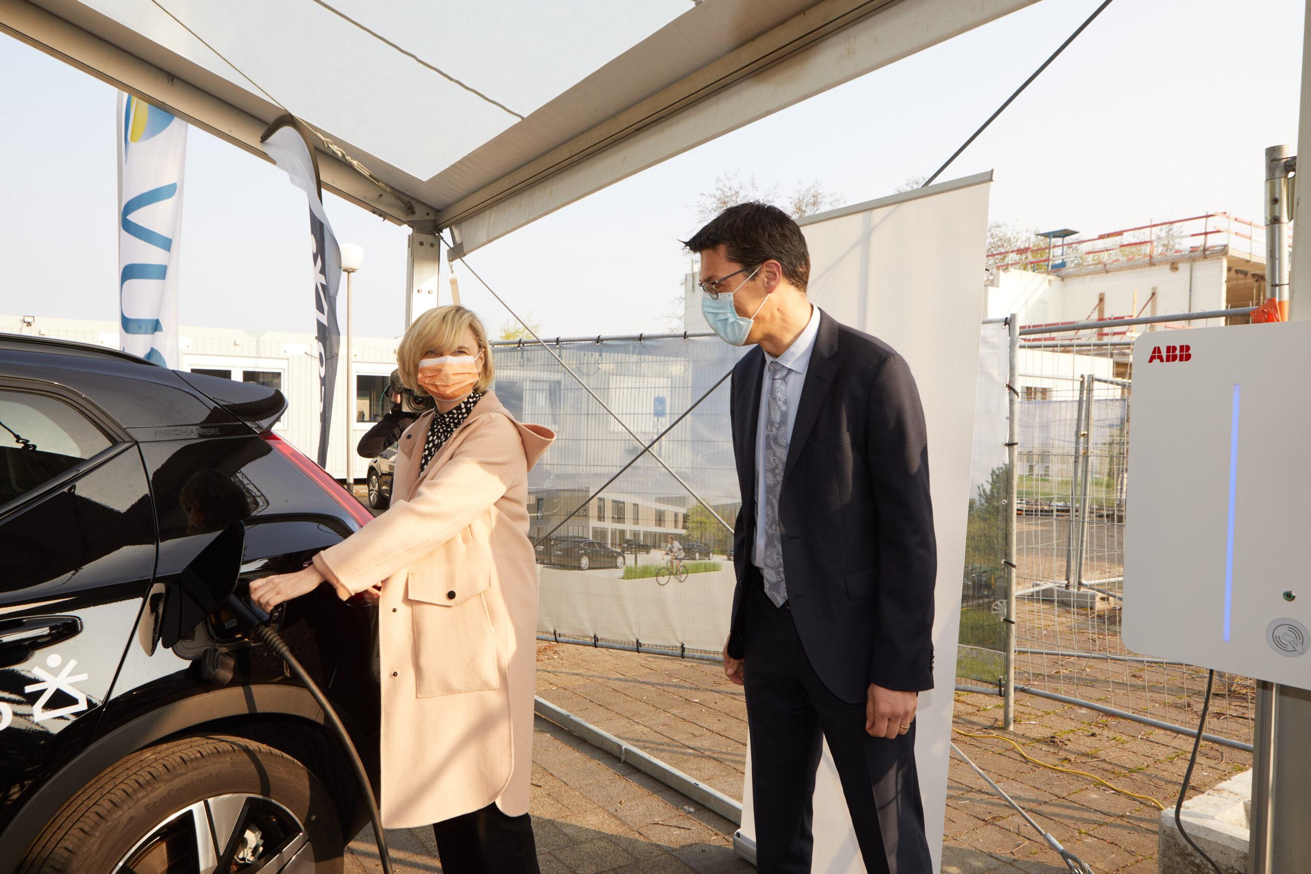 Thème du mois : Technologie au service des gens – Vehicle-to-grid bureau Sweco à Zelzate